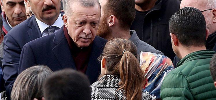Erdoğan cuma namazını Marmara Üniversitesi İlahiyat Fakültesi Camisi'nde kıldı