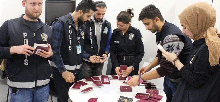 İstanbul Havalimanı'nda sahte evrakla Fransa'ya gitmek isteyen 34 kişi yakalandı