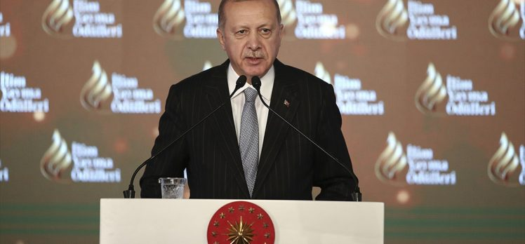 Cumhurbaşkanı Erdoğan: 80 binin üzerinde İdlibli kardeşimiz ülkemiz sınırına doğru göçe başladı