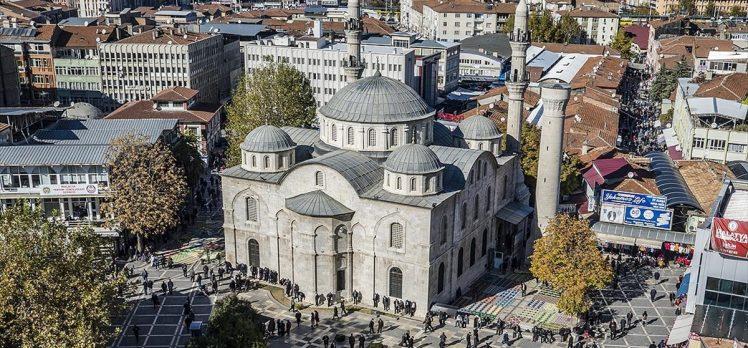 Abdülhamid Han'ın yapımına destek verdiği 'teze cami' ihtişamını koruyor