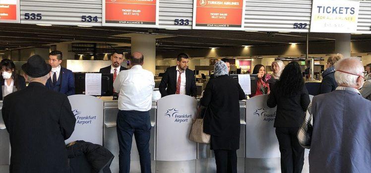 Almanya'daki Türk vatandaşları yurda getiriliyor