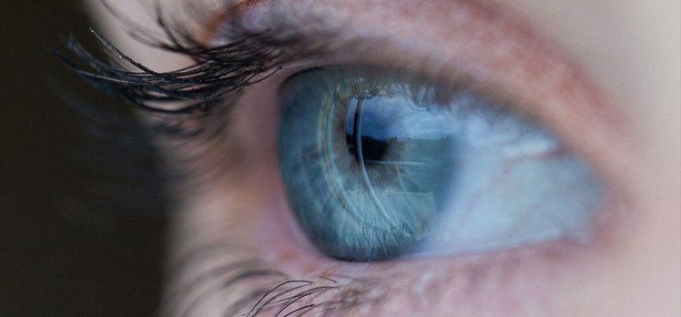 'Mavi gözler' uğruna kör olma riskiyle karşı karşıya kalmayın
