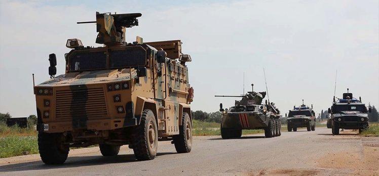 İdlib'deki M4 kara yolunda 7'nci Türk-Rus birleşik kara devriyesi icra edildi