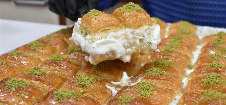 Manda kaymaklı baklava ramazan ayında sofraları süslüyor