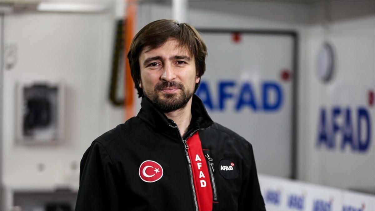 AFAD Başkanı Güllüoğlu: 28 il afet ve acil durum müdürlüğünde milli işletim sistemi Pardus'a geçildi