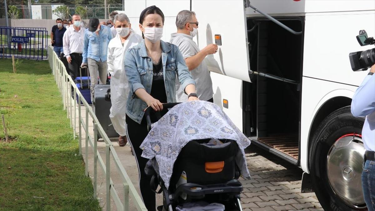 ABD'den getirilen 294 Türk vatandaşı memleketlerine uğurlandı