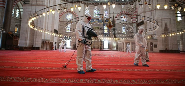 İstanbul'un camilerindeki mahzunluk yarın yerini sevince bırakacak