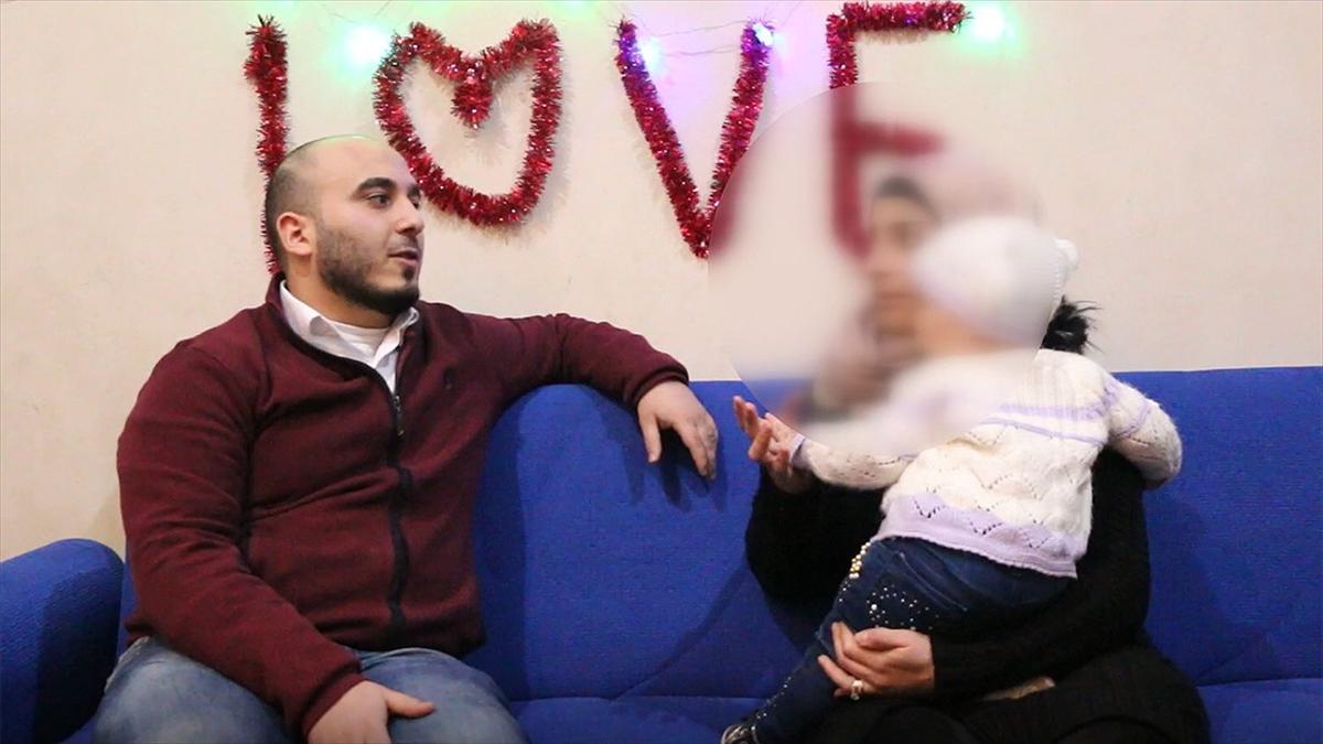 Esed rejimince alıkonulan genç kadın Um Muhammed cezaevindeki işkenceleri anlattı: Kollarımızdan tavana asılırdık