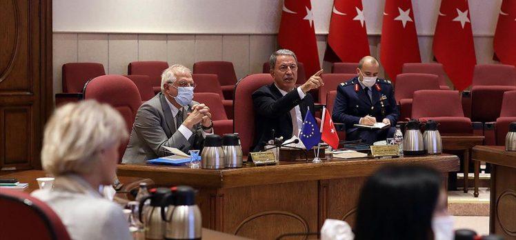 Milli Savunma Bakanı Akar: AB'nin Türkiye'ye objektif yaklaşması her iki tarafa büyük yarar sağlayacak