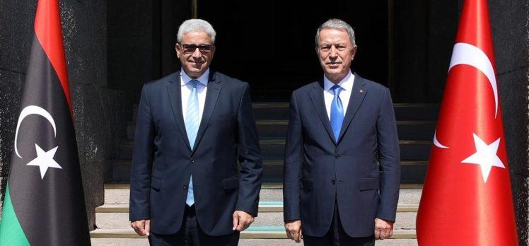 Bakan Akar, Libya İçişleri Bakanı Fethi Başağa ile görüştü