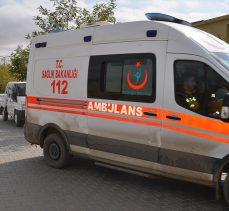 Hakkari Yüksekova'da bir araç uçuruma devrildi