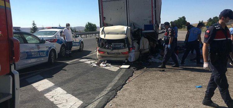Ankara'da gurbetçi aile kaza yaptı: 5 ölü