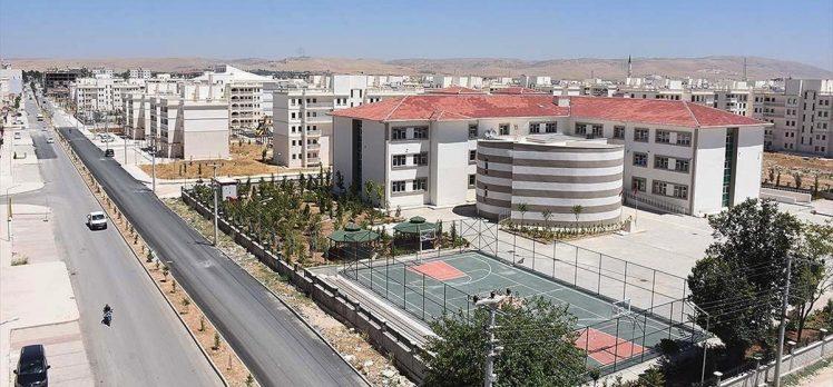 Nusaybin'de terörün eğitim kurumlarında bıraktığı izler siliniyor