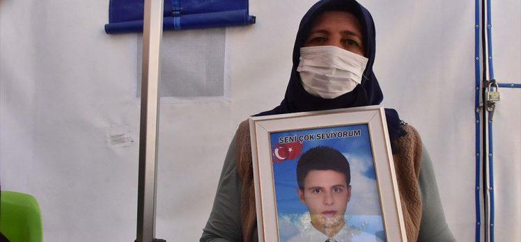 Diyarbakır annelerinden Övünç: Kirli ellerini çocuklarımızın üzerinden çeksinler