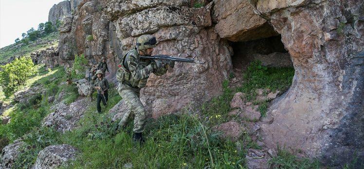 İçişleri Bakanı Soylu: 1'i Turuncu, 2'si Gri Kategori'de 5 terörist etkisiz hale getirildi