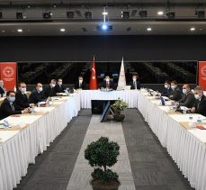 Bakan Koca: İstanbul'da vaka sayısı Türkiye genelinin yüzde 40'ına, Ankara'nın 5 katına ulaştı