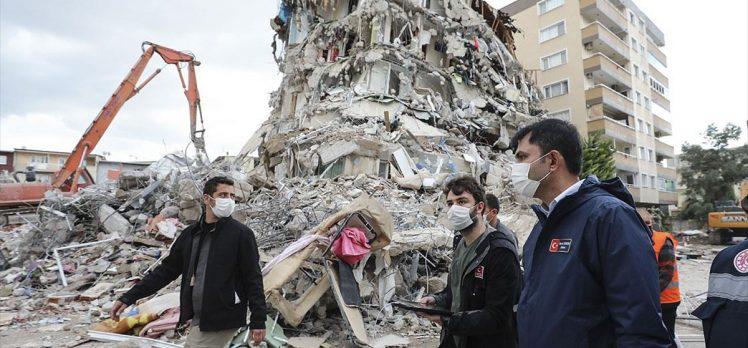 Bakan Kurum: İzmir'de birçok noktada riskli binaların yıkım süreci devam ediyor