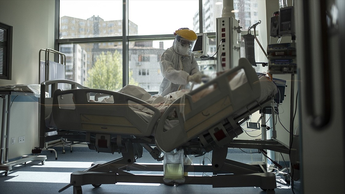 Türkiye'de son 24 saatte 31 bin 219 kişinin Kovid-19 testi pozitif çıktı, 188 kişi hayatını kaybetti
