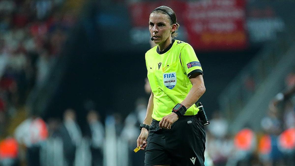 UEFA Şampiyonlar Ligi'nde ilk kez kadın hakem düdük çalacak
