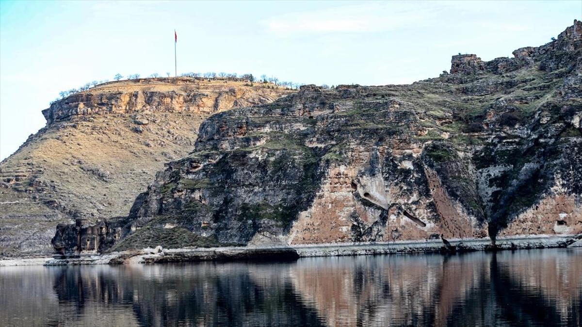 Yıllara meydan okuyan Eğil Kalesi ve kral mezarları UNESCO yolunda