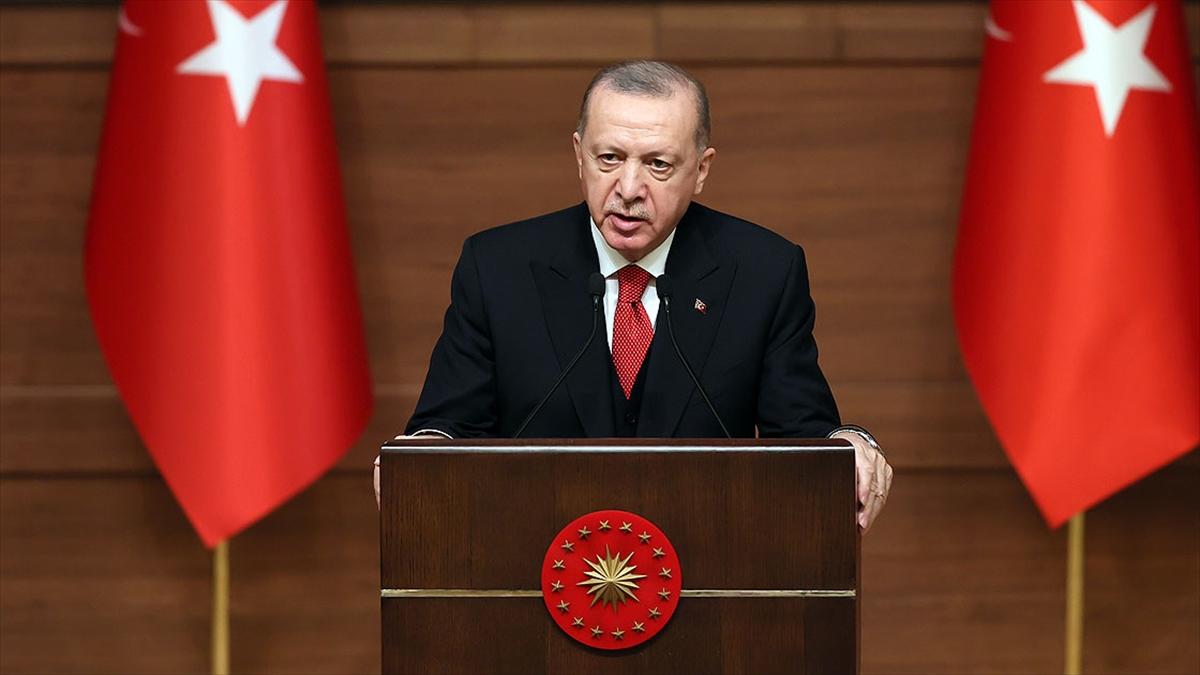 Cumhurbaşkanı Erdoğan: Dilde sadeleştirme niyetiyle Türkçemiz tarihimizin büyük kelime katliamına maruz bırakıldı
