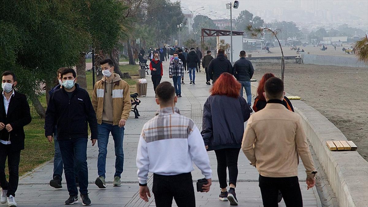 Haftalık Kovid-19 vaka sayıları Karadeniz'de yüksek, Doğu ve Güneydoğu'da düşüşte