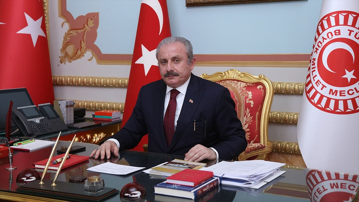 TBMM Başkanı Şentop: Milletvekilliği dokunulmazlığının kaldırılmasına ilişkin 33 farklı fezleke Meclis'e geldi
