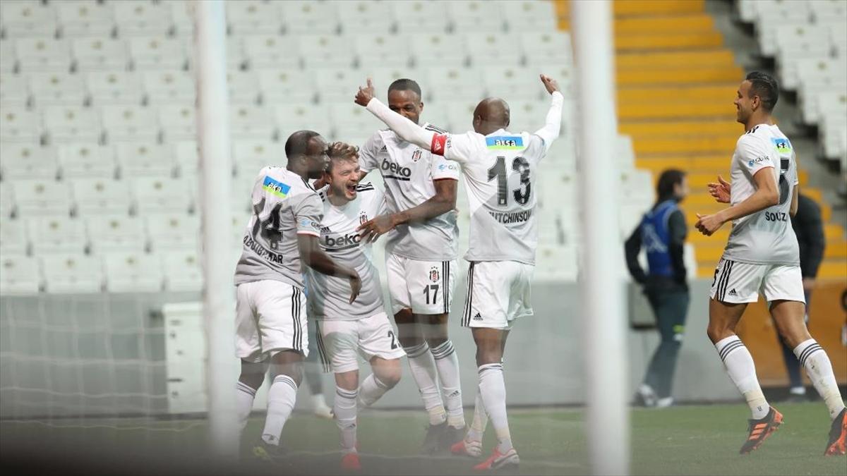 Beşiktaş 3 puanı 3 golle aldı