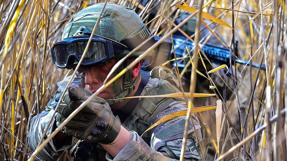 Barış Pınarı bölgesine saldırı girişiminde bulunan 3 terörist etkisiz hale getirildi