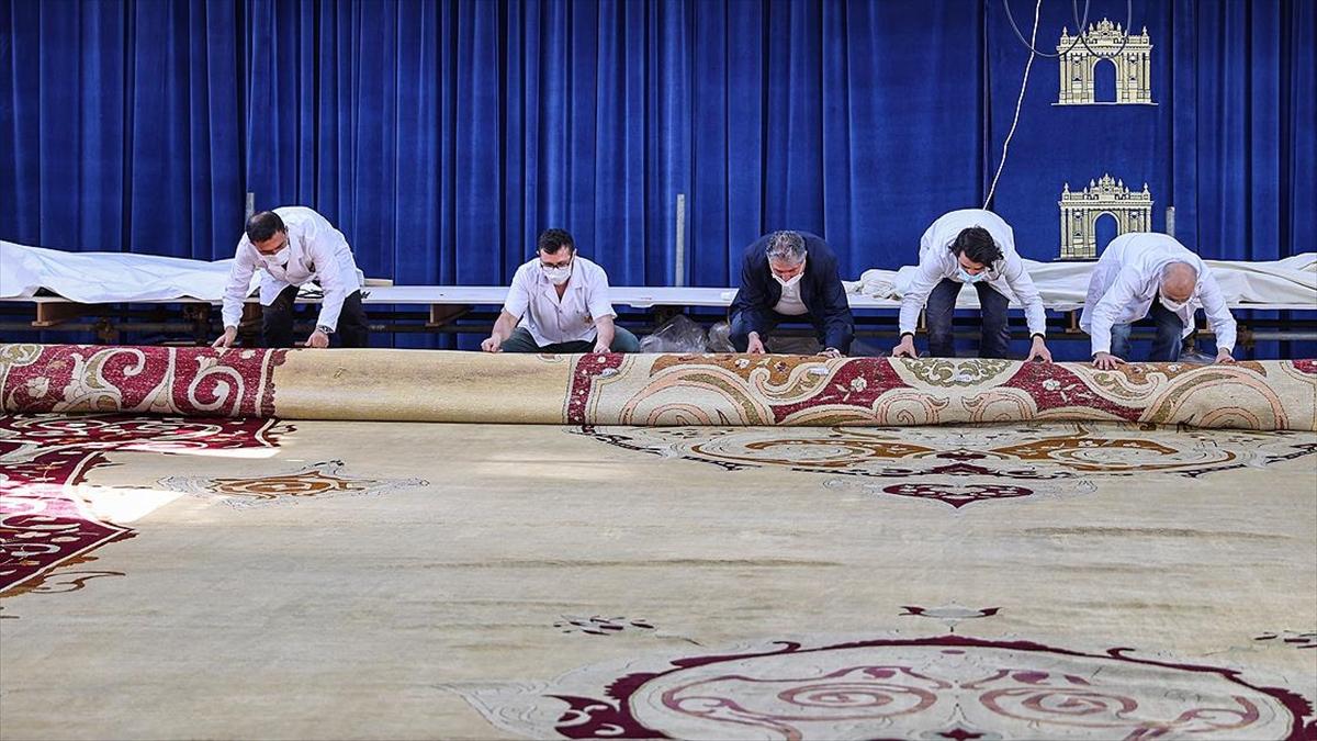 Milli Sarayların en büyük halısının restorasyonu tamamlandı