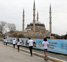 Selimiye Camisi'nin UNESCO'ya girişinin 10. yıl dönümünde atletler cami çevresinde10 tur attı