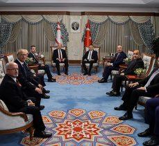 Cumhurbaşkanı Yardımcısı Oktay ile KKTC Cumhurbaşkanı Tatar bir araya geldi