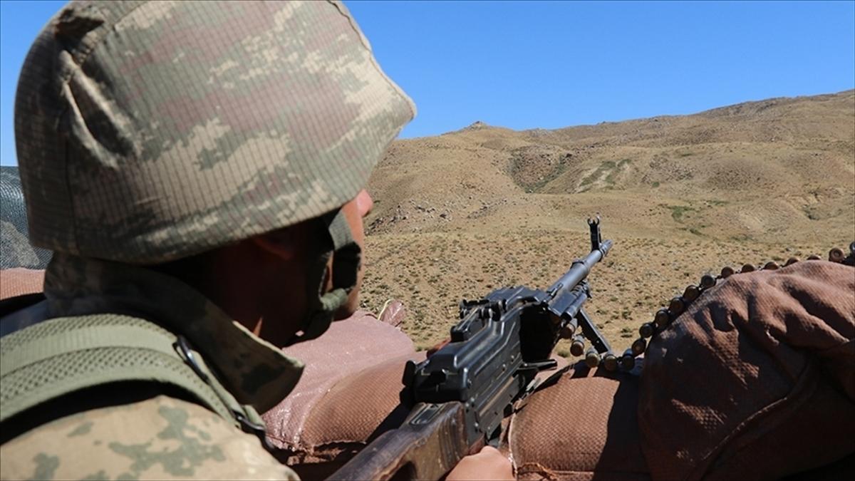 Tunceli'nin Ovacık ilçesi kırsalında PKK'lı 3 terörist etkisiz hale getirildi