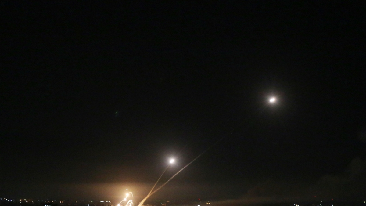 Lübnan'dan İsrail'in kuzeyindeki Celile bölgesine 3 roket atıldı