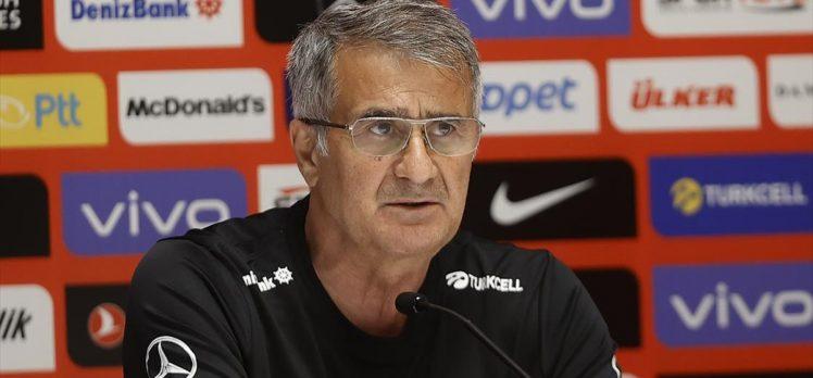 A Milli Futbol Takımı Teknik Direktörü Güneş: Tüm ülkeyi mutlu etmek istiyoruz