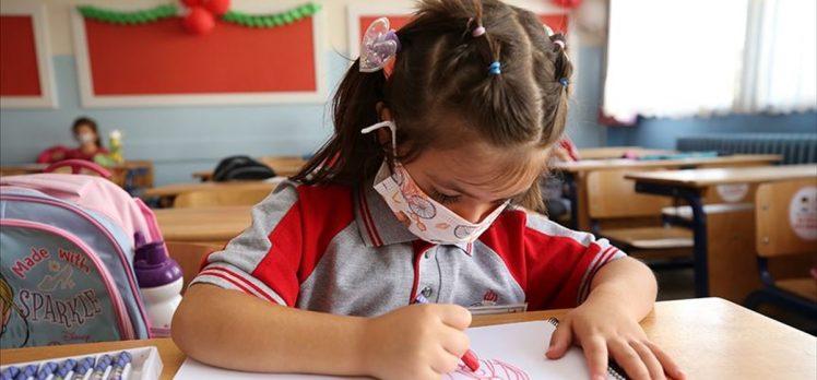 Milli Eğitim Bakanı Selçuk: Yüz yüze eğitim ilkokullarda yarın, ortaokul ve liselerde 7 Haziran'da başlatılacak