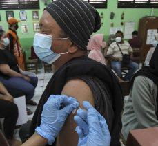 Dünya genelinde yaklaşık 2 milyar 388 milyon doz Kovid-19 aşısı yapıldı