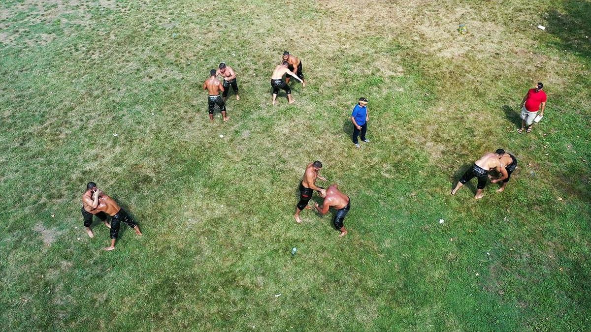 Kırkpınar'da altın kemer için mücadele edecek başpehlivanlar son antrenmanlarını yaptı