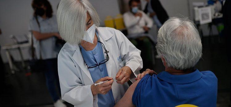 Dünya genelinde 3 milyar 510 milyon dozdan fazla Kovid-19 aşısı yapıldı