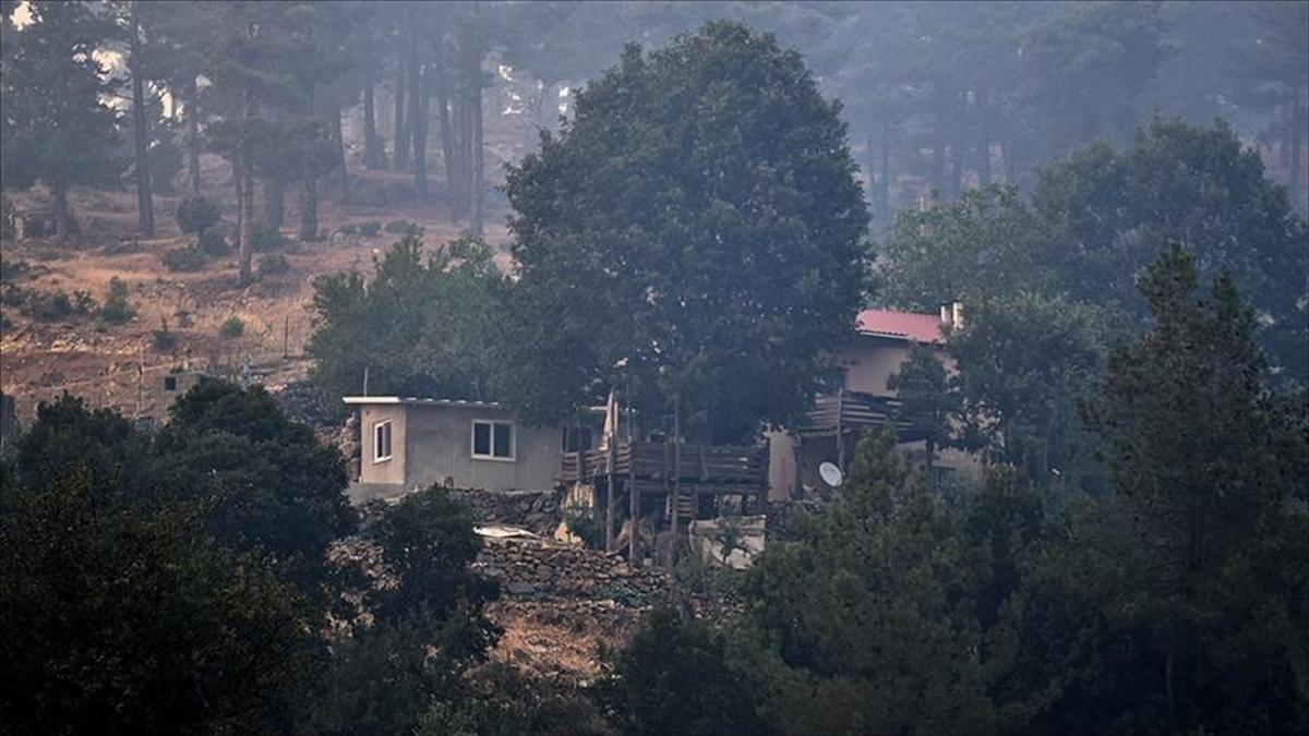 Mersin'deki orman yangınları kontrol altına alındı, 4 kişi gözaltında