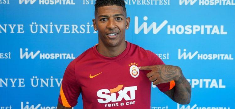 Galatasaray, Hollandalı futbolcu Patrick van Aanholt ile 3 yıllık sözleşme imzaladı