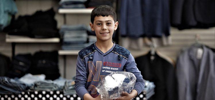 Türk Kızılay Kurban Bayramı'nda Suriye'de çoğunluğu çocuk 100 bin kişiye bayramlık kıyafet dağıtacak