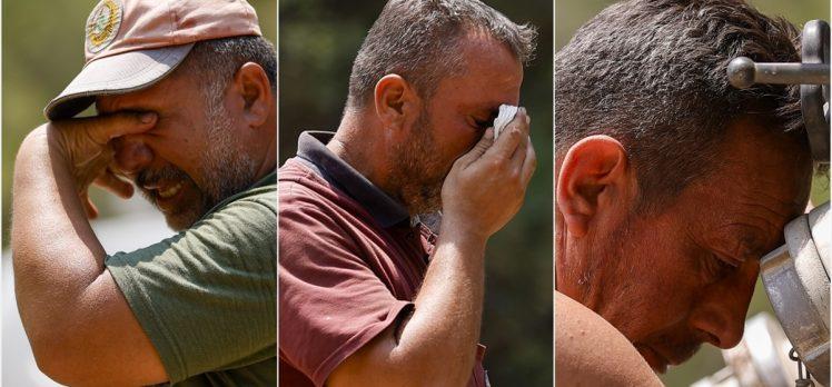 Alevlerin ortasında kalan orman işçisinin son dakikaya kadar bölgeden ayrılmayacaklarını söylediği telsiz anonsu ağlattı