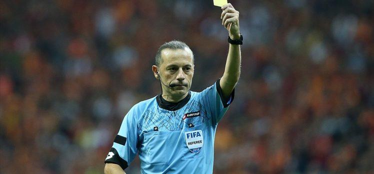 Süper Lig'de en tecrübeli hakem 366 maç yöneten Cüneyt Çakır
