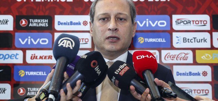 Galatasaray Kulübü Başkanı Burak Elmas yeni sezon için umutlu