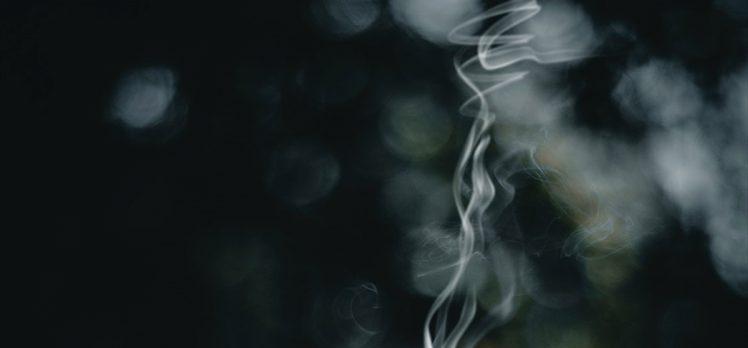 Çocuklukta sigara dumanına maruz kalmak yetişkinlikte romatoid artrit riskini artırıyor