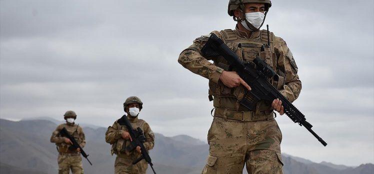 Bakan Soylu: Uzun zamandır takip ettiğimiz 8 kişilik terörist grup etkisiz hale getirildi
