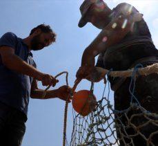 Hataylı balıkçılar, denize açılmak için gün sayıyor