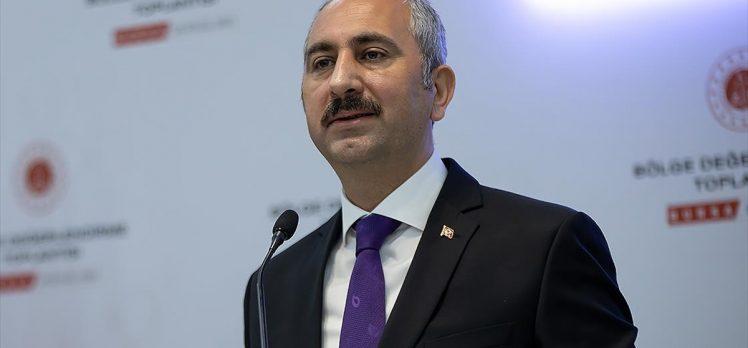 """Adalet Bakanı Gül'den """"yargıda sözleşmeli personel"""" değerlendirmesi"""