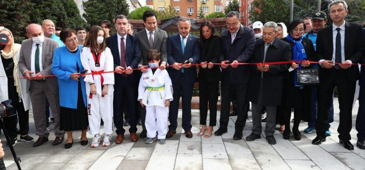 """Bağcılar'da """"Mustafa Öztürk Türk Kazak Kardeşlik Parkı"""" açıldı"""
